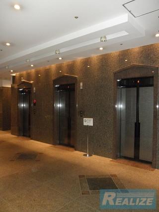 新宿区西新宿の賃貸オフィス・貸事務所 KDX新宿ビル
